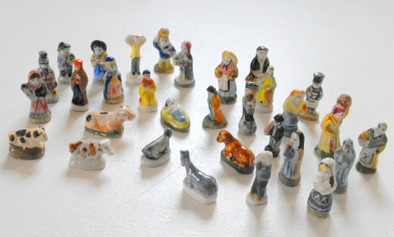 Nativity Advent Scene 25 Miniature Vintage by Vintagefrenchlinens