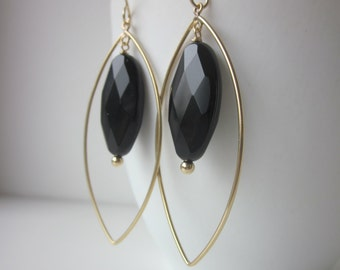 Sjans gold (goldfilled) earwires with onyx