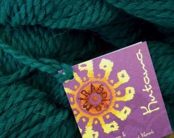 CHUNKY Weight Yarn - Emerald Alpaca and Fine Highland Wool - Mirasol Kutama - 50g 67 yards- Jade Emerald Green