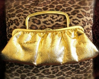 Vintage Gold Disco Clutch 1970s Purse with Gold Handle and Clasp Hey Goldmember Gold lame purse / Gold party purse  70s Jackpot Jen