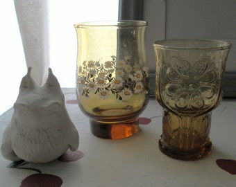 GLASS DAISY VINTAGE Seventies Floral Harvest Gold Water