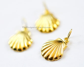 One 18kt Gold Vermeil Seashell Charm with a Closed Jump Ring 15 x 10mm