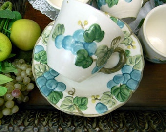 7 Poppy Tail by Metlox Porcelain USA Tea Cups Saucers - 9521