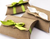 Pillow Boxes, Medium - 10 gift card holders - jewelry packaging - DIY wedding favor box - unique flash drive product packaging, treat box