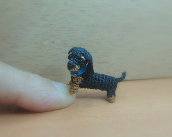 0.6 inch black Dachshund dog - Tiny amigurumi crochet animal