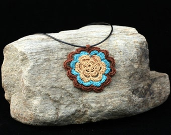 Flower Necklace Turquoise & Brown trim.