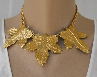 Triple Leaf Goldtone Necklace Curb Link Chain Unusual Vintage Jewelry