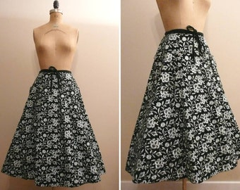 Vintage 1950s Skirt 50s Tina Leser Embroidered Velvet Skirt