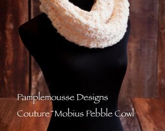 Crochet Mobius narrow  Cowl. Mobius scarf Ivory.Crochet Cowl .