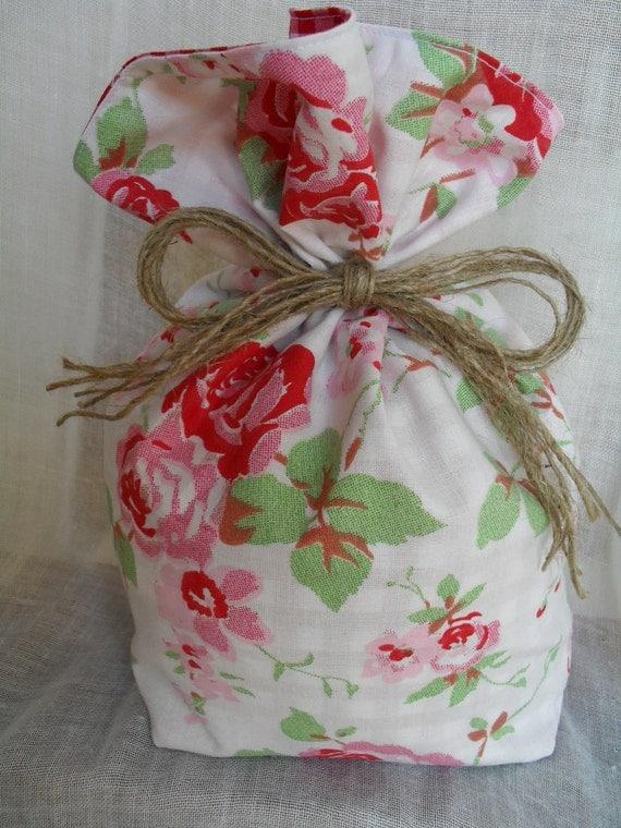 cath kidston for ikea white rosali floral gingham door stop. Black Bedroom Furniture Sets. Home Design Ideas