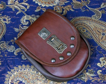 Viking Pouch Helyr The Hunters Pouch in Merlot Bullhide