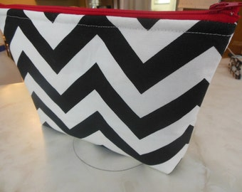 Zig Zag Large Cosmetic bag Large zipper Zig Zag Print Cosmetic/accessory Pouch-Black and white Chevron