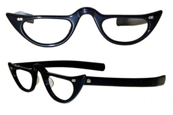Vintage 1950s / 1960s Cat Eye Style Reading Glasses Eyeglass