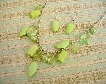 Green Beads Necklace, Green Color Jewelry, Green Beads Earnings - Sale