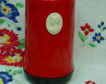 Cute Vintage 1950's Cleanser Can Holder- Cameo, Bright Red