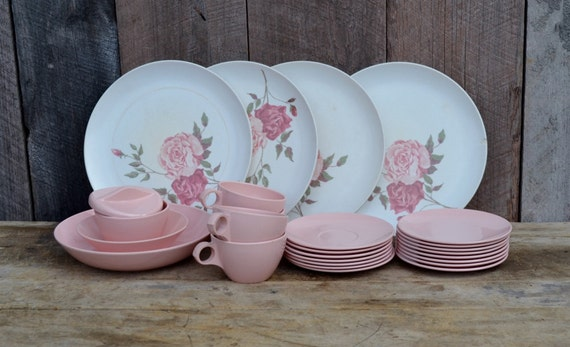 Pink Amp White Melamine Dishes Roses Dinner Plates Coffee Cups
