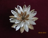 Vintage Water Lily Pin Sarah Coventry / Gold and White Enamel  Flower Brooch 3D