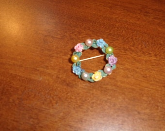 vintage pin brooch colorful flowers faux pearls