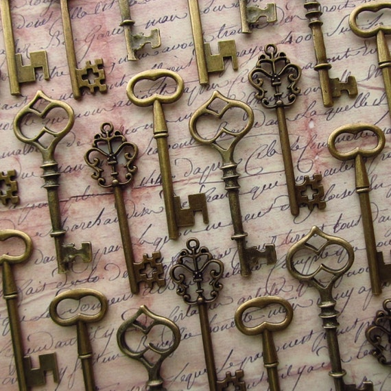 The Waterford Collection - Skeleton Key Assortment in BRONZE - Set of 30 Keys - 3 STYLES