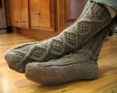 Handsome Men's Slipper Socks Knitting Pattern