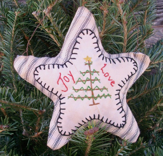 Primitive Christmas Decoration - Embroidered Star Pillow Ornament with Christmas Tree - Rusty Wire Hanger