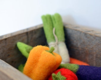 Play Food Felted Wool  Vegetable - Yellow Bell Pepper