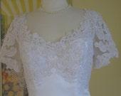 white wedding dress/lace wedding dress/wedding gown/bridal gown. Jennifer