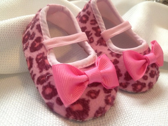 pink leopard baby shoes with pink bow by summerjadeboutique