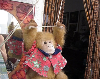 Adorable Huggable Furry Swaying Chimpanzee, Vintage