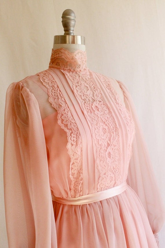 Romantic Peach Pink 1970s Vintage prom dress / Lace sheer