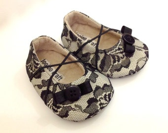 Baby Girl Shoes. Black Baby Shoes. Beige Baby Girl Shoes. Lace Baby Shoes. Baby Booties. Felt Booties. Soft Sole Shoes.