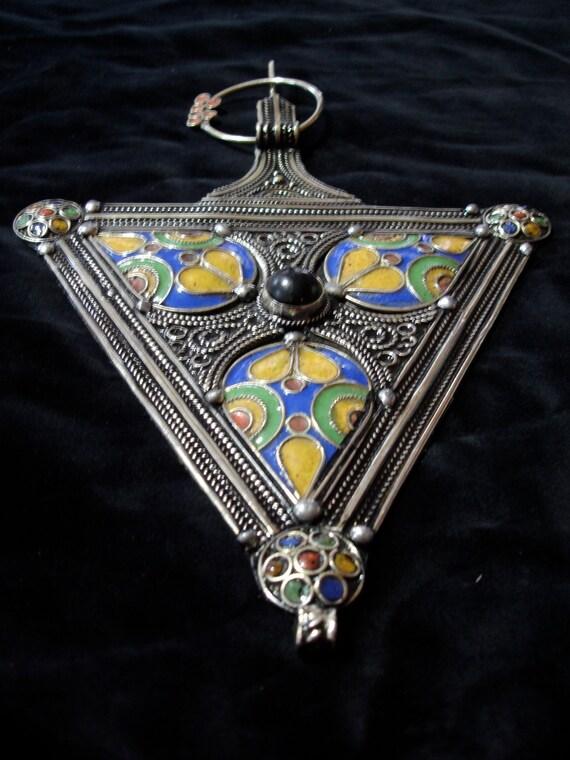 Moroccan Berber fibula enamel