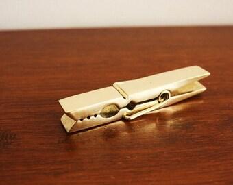 Treasury lists vintage solid brass llama by - Organizador de papeles ...
