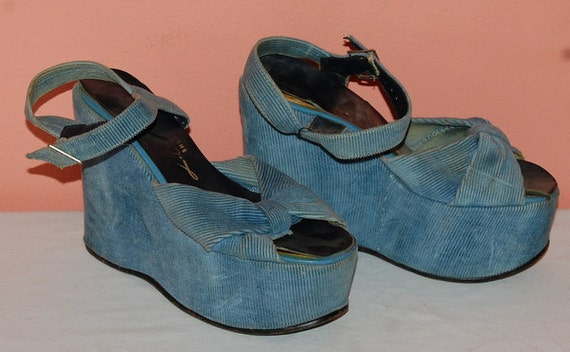 Vintage 60s 70s Platform Shoes Blue Corduroy Wedges