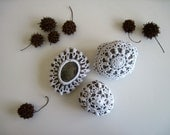 Crochet Lace Covered Stones in White - Medium - Set 7