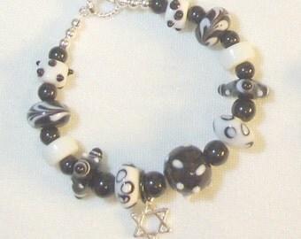 Black and White Lampwork Beaded Bracelet