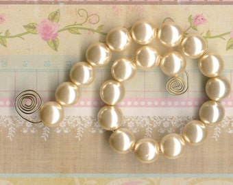10mm Ivory Jablonex Glass Pearl Beads, 24 pieces, 10mm Ivory Pearl, 10mm Glass Pearl, Antique Ivory, 10mm Cream Pearl, 10mm Vintage Pearl