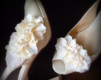 Ivory/Vanilla pearls Shoe clips.  full of Petals and Czech pearls with ivory venice lace and leaves. Bride, Wedding, Bridesmaids -LUCY-