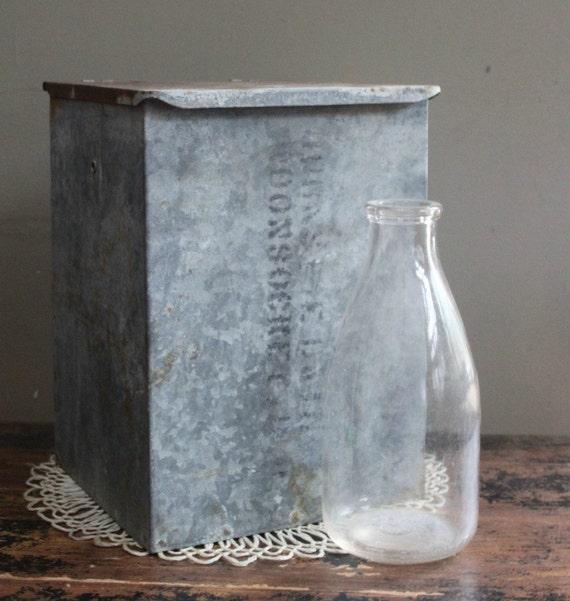 vintage galvanized milk box reserved for melanie by myvintagelane. Black Bedroom Furniture Sets. Home Design Ideas