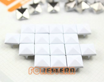 50Pcs 10mm White Color PYRAMID Studs (C-WH10)