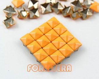 100Pcs 8mm Bright Orange Color PYRAMID Studs (CP-2007-08)