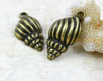 30Pcs Antique Brass conch Charm conch Pendant shell charm shell pendant 21x13mm (PND151)