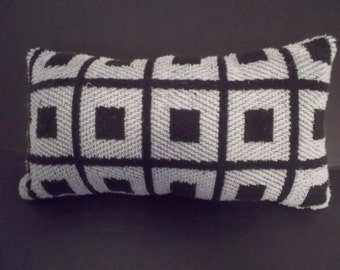 Spa pillows for lounging in the spa or tub. Not just for women . These pillows have a masculine look to them.