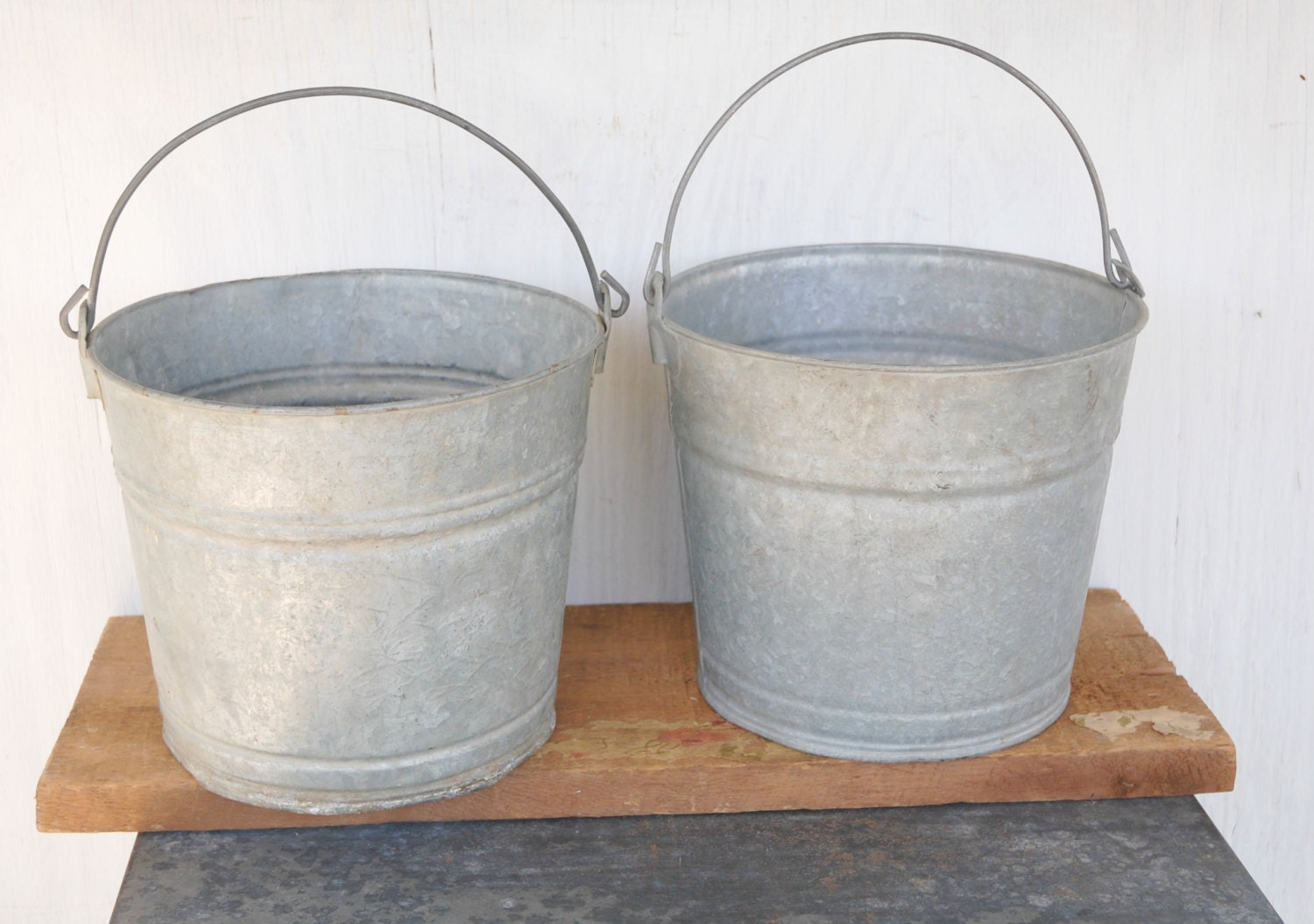 Vintage metal buckets with handles set of 2 for Old metal buckets