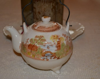 Hand painted Oriental Teapot