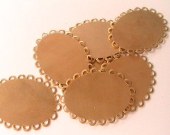 Brass Blanks Oval Scalloped Edge Pendant Raw Brass Stamping Assemblage Jewelry Making Mix Media Collage Altered Art Jewelry Supplies (6pc)