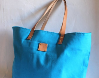 Canvas Tote... SPECIALIZED LABEL...Beach bag sized TURQUOISE tote bag