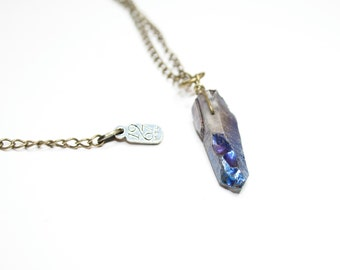 Irridescent mystic blue crystal quartz pendant necklace