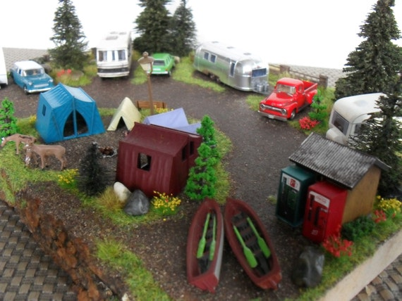 Busch HO Scale Scenes and Dioramas - Euro Rail