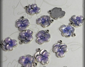 Lavender pansy enameled charms (x6)